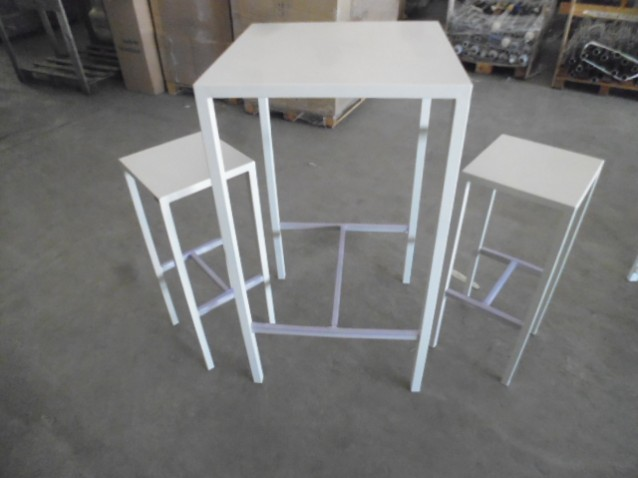 Set tavolo e sedia alti